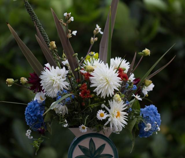 owers dahlia and hydrangea